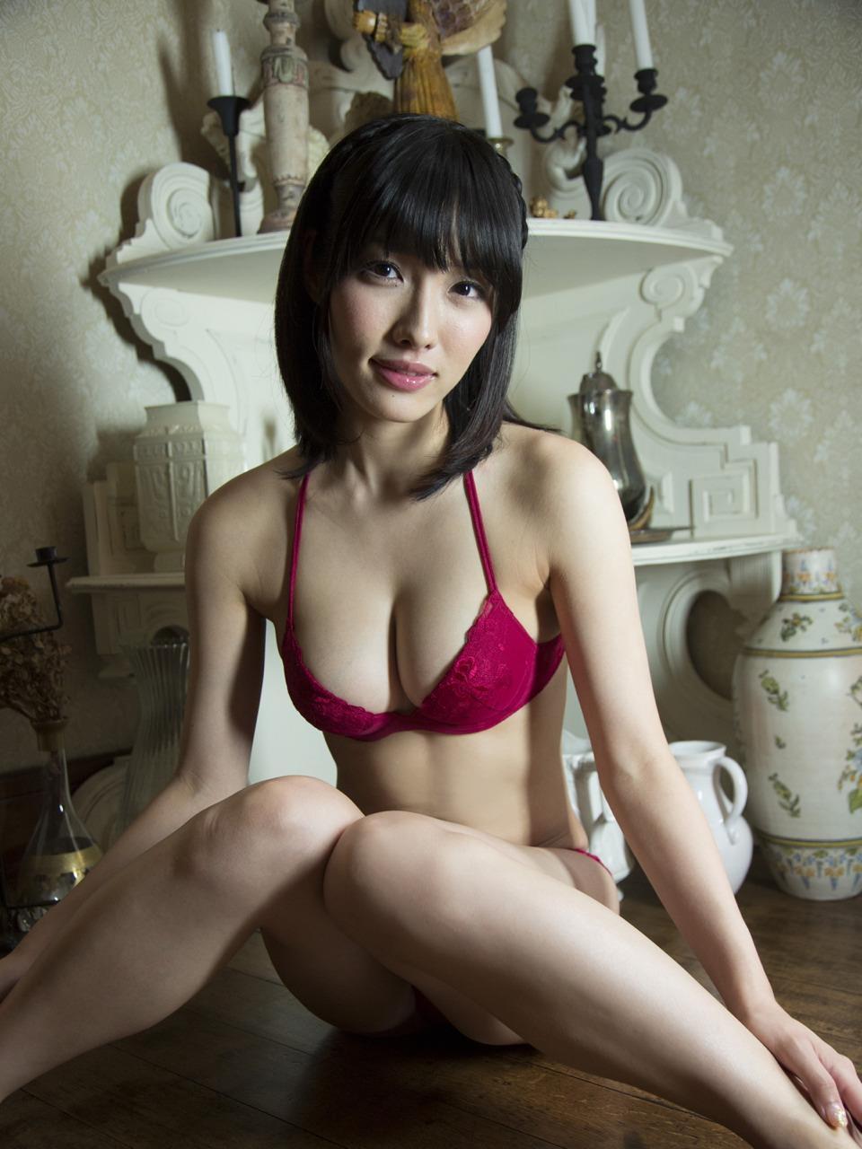 今野杏南さんの水着